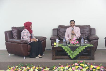 SEMINAR NASIONAL yang diadakan oleh HIMAFI STIKES 'Aisyiyah Yogyakarta